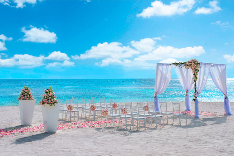 عروسی در ساحل هتل دبلیو مالدیو