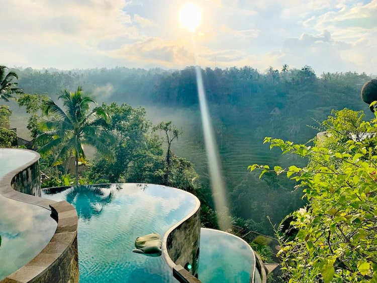 نمای استخر های هتل کایون جانگل ریزورت بالی