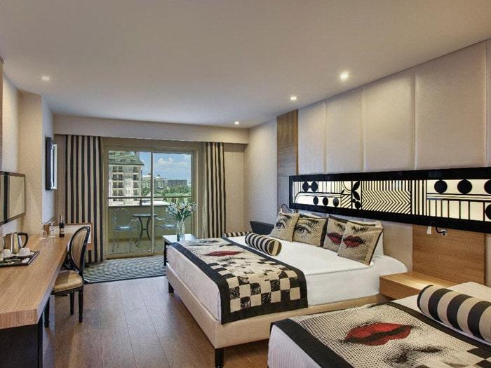 superior room land side